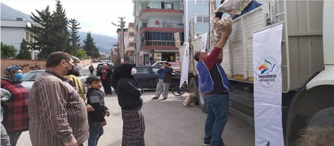 İskenderun Belediyesi Patates Dağıtımına Başladı
