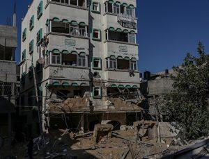 İsrail saldırılarının hedefindeki Gazze'de yıkım görüntülendi