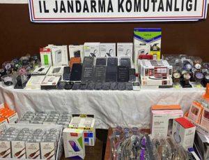 Jandarma'dan Kırtasiyeye Kaçak Telefon Operasyonu